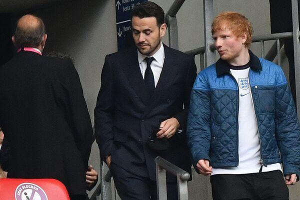 Ed Sheeran đến xem trận thi đấu bóng đá ở London - Sputnik Việt Nam