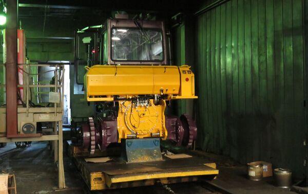 Phân xưởng kiểm tra chạy thử động cơ và hộp số - Sputnik Việt Nam