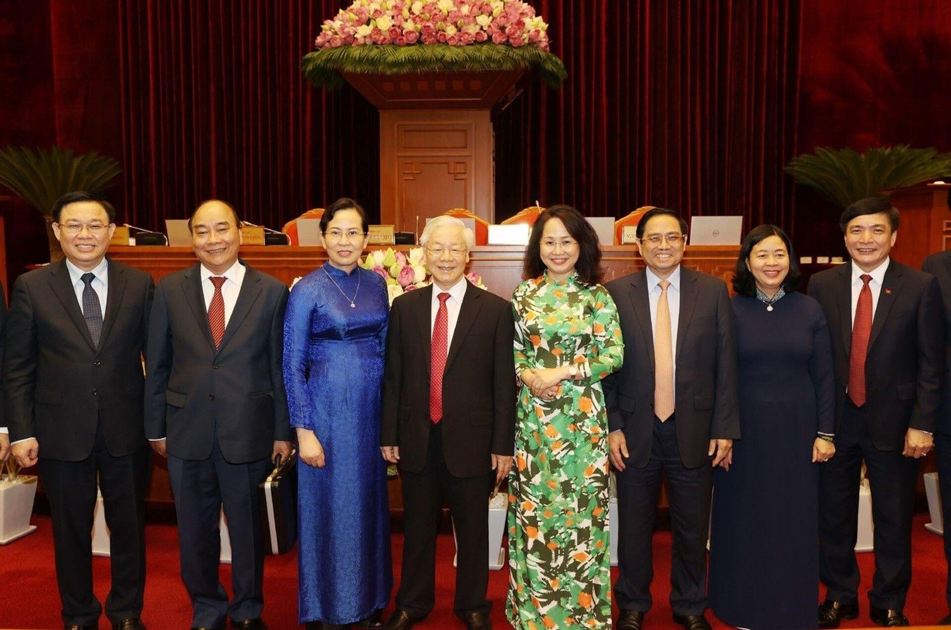 Việt Nam: 'Nhất trí cao' với phương án nhân sự cấp cao của Bộ Chính trị - Sputnik Việt Nam, 1920, 08.07.2021