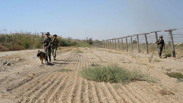 Lính biên phòng tuần tra biên giới Tajik-Afghanistan ở Tajikistan - Sputnik Việt Nam