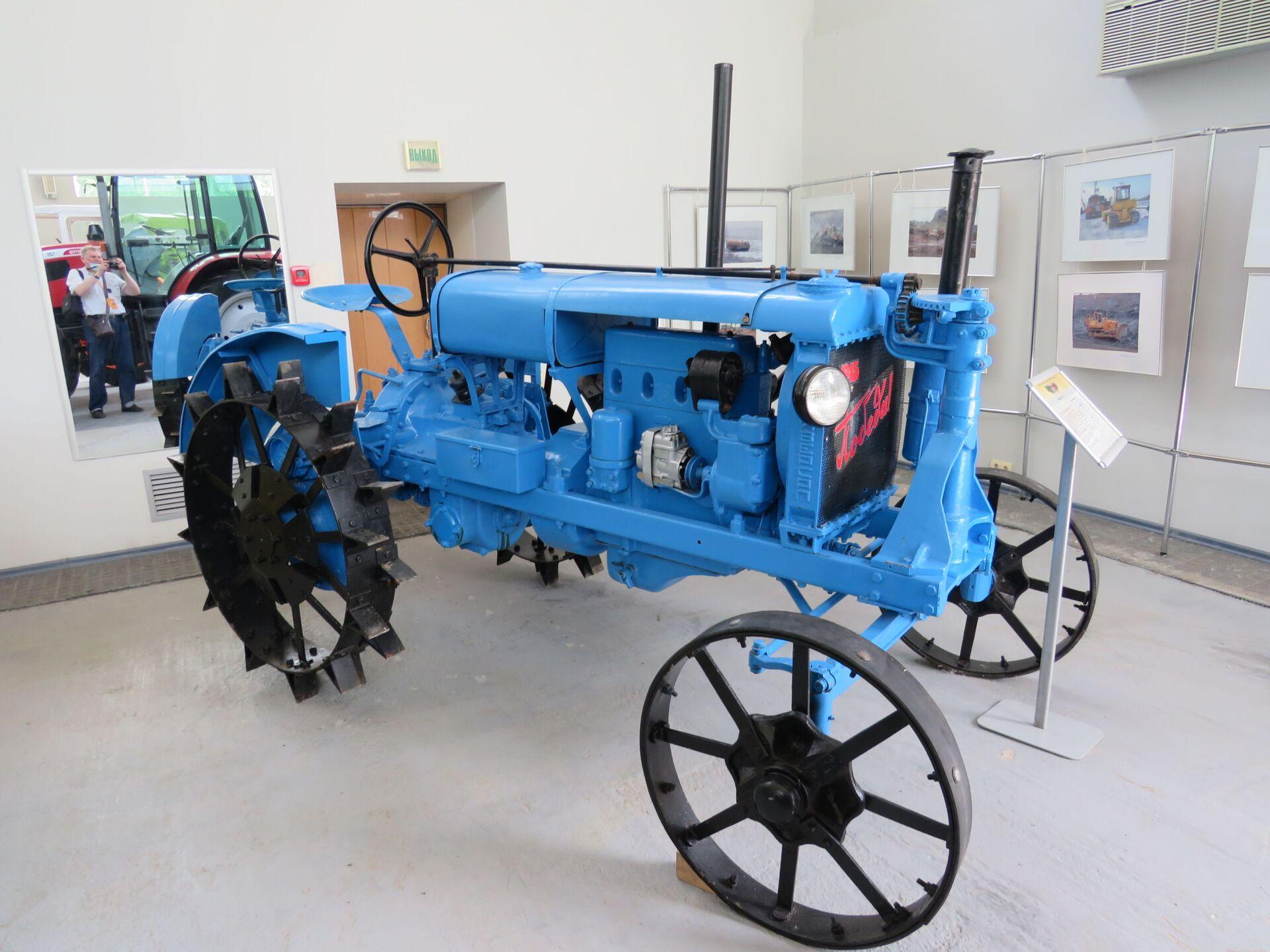 Bảo tàng Lịch sử Máy kéo: từ xe đẩy hàng tự chuyển động đến máy ủi sao Hỏa - Sputnik Việt Nam, 1920, 18.07.2021