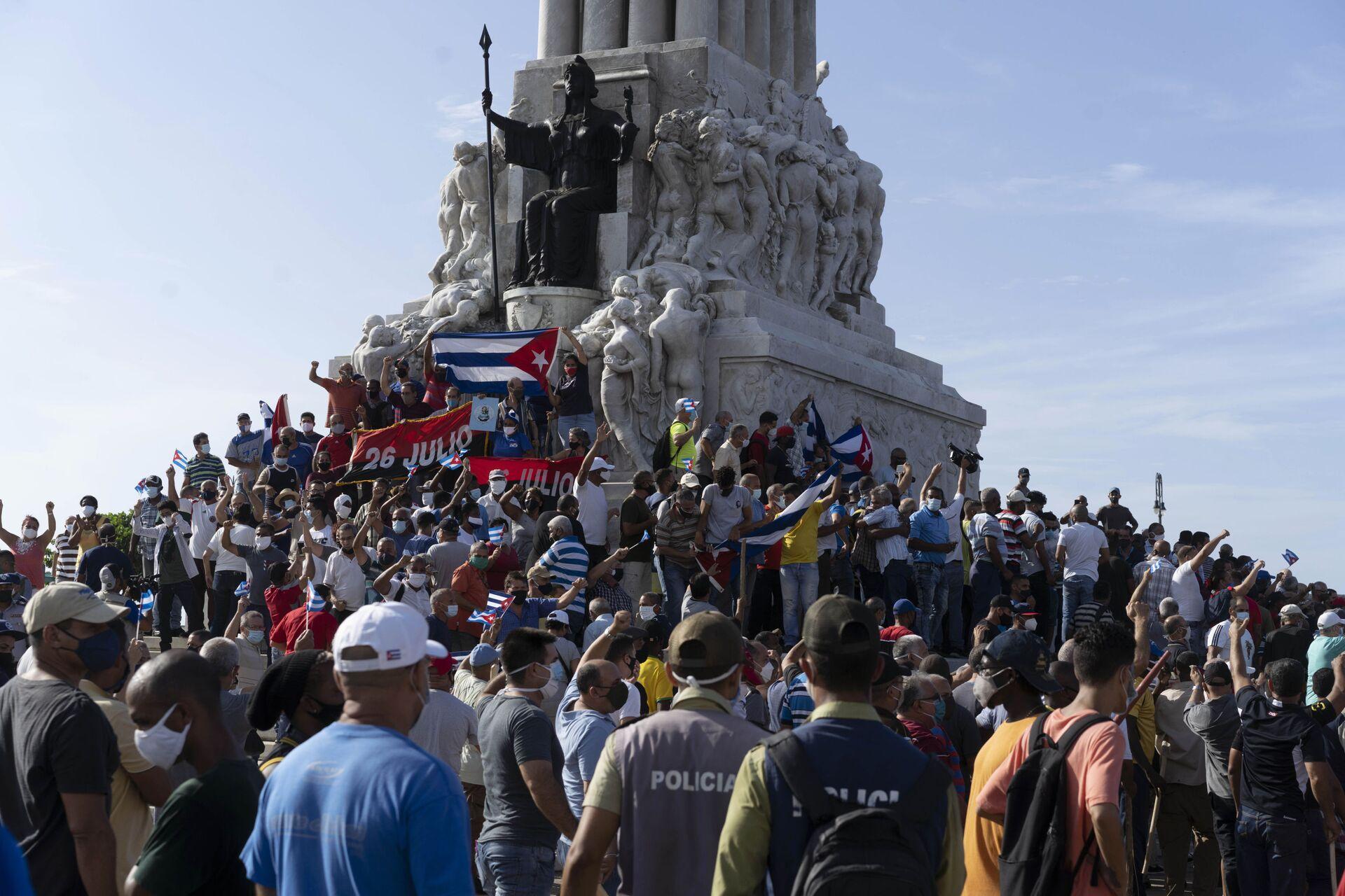 Hàng nghìn người Cuba xuống đường phản đối: ai đang rung lắc Hòn Đảo Tự do - Sputnik Việt Nam, 1920, 14.07.2021