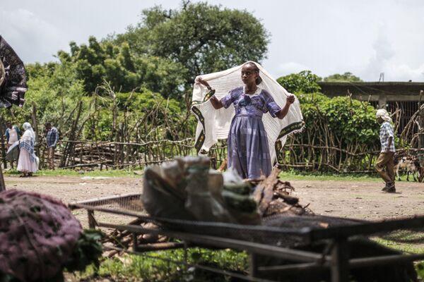 Người phụ nữ ở khu chợ thành phố Dansha, Ethiopia - Sputnik Việt Nam