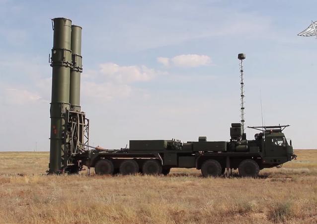 Trên thao trường Kapustin Yar, hệ thống tên lửa phòng không S-500 mới nhất đã thực hiện bắn thử nghiệm