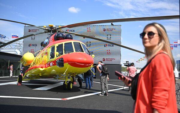 Trực thăng Mi-8AMTSh dành cho hàng không y tế tại MAKS-2021 - Sputnik Việt Nam
