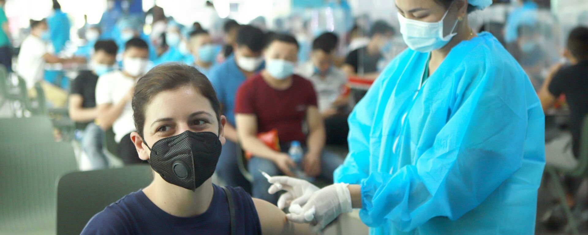 Vĩnh Phúc: 500 công nhân Công ty Piaggio Việt Nam được tiêm vaccine phòng COVID-19 - Sputnik Việt Nam, 1920, 04.08.2021