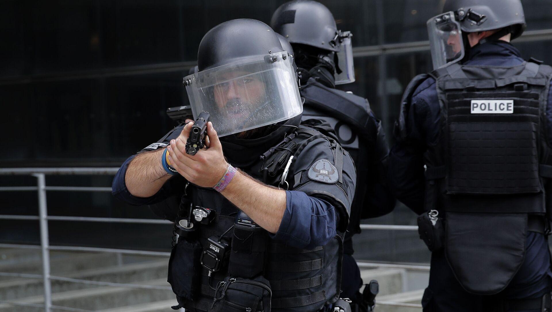 Cảnh sát Pháp ở Paris - Sputnik Việt Nam, 1920, 22.07.2021