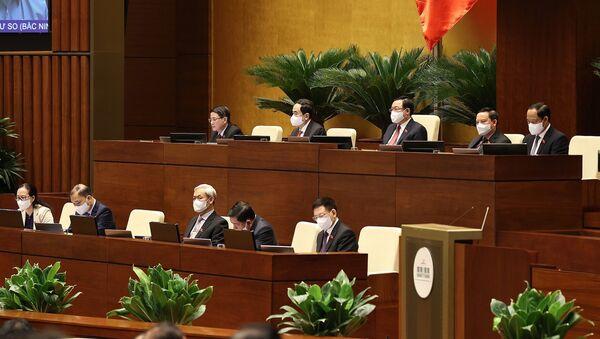 Chủ tịch Quốc hội Vương Đình Huệ và các Phó Chủ tịch điều hành phiên thảo luận - Sputnik Việt Nam