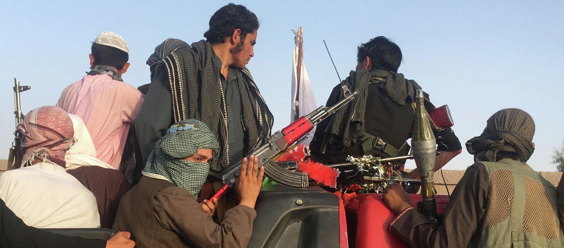 Các chiến binh của Taliban cực đoan * ở Afghanistan - Sputnik Việt Nam, 1920, 09.08.2021