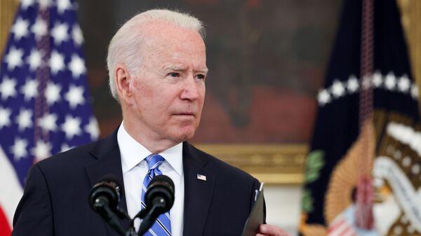 Tổng thống Biden gọi nữ nhà báo là cơn đau đầu sau câu hỏi về việc tiêm chủng - Sputnik Việt Nam