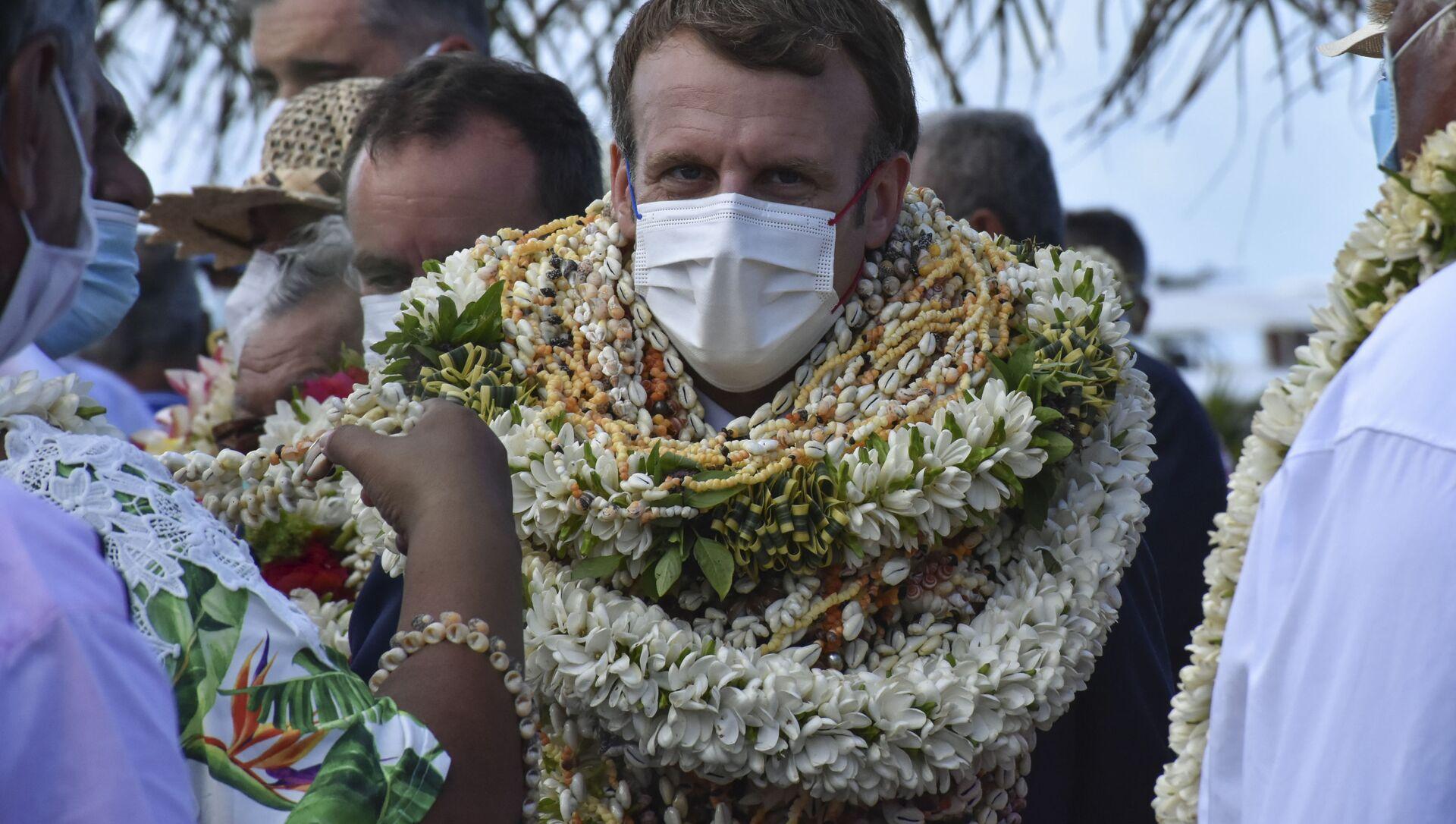 Tổng thống Pháp Emmanuel Macron trong chuyến thăm đảo san hô Manihi, Polynesia thuộc Pháp - Sputnik Việt Nam, 1920, 28.07.2021