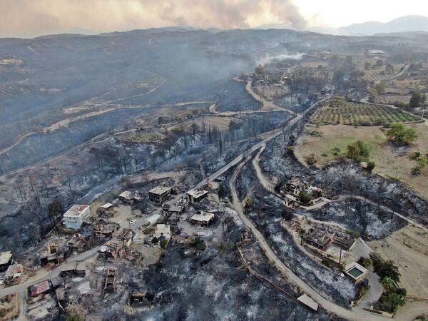 Sau vụ cháy rừng ở Manavgat, tỉnh Antalya, Thổ Nhĩ Kỳ - Sputnik Việt Nam
