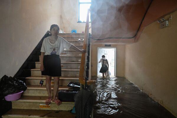 Khách sạn ở Trung Quốc bị ngập lụt do bão Yinfa - Sputnik Việt Nam
