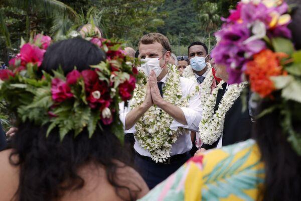 Tổng thống Pháp Emmanuel Macron trong chuyến thăm đảo Moorea, Polynesia thuộc Pháp - Sputnik Việt Nam