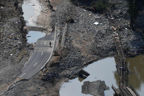 Đường ray xe lửa bị lũ lụt phá hủy ở Ahrweiler, Đức - Sputnik Việt Nam
