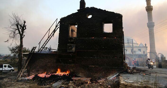 Ngôi nhà bị cháy ở Manavgat, Thổ Nhĩ Kỳ