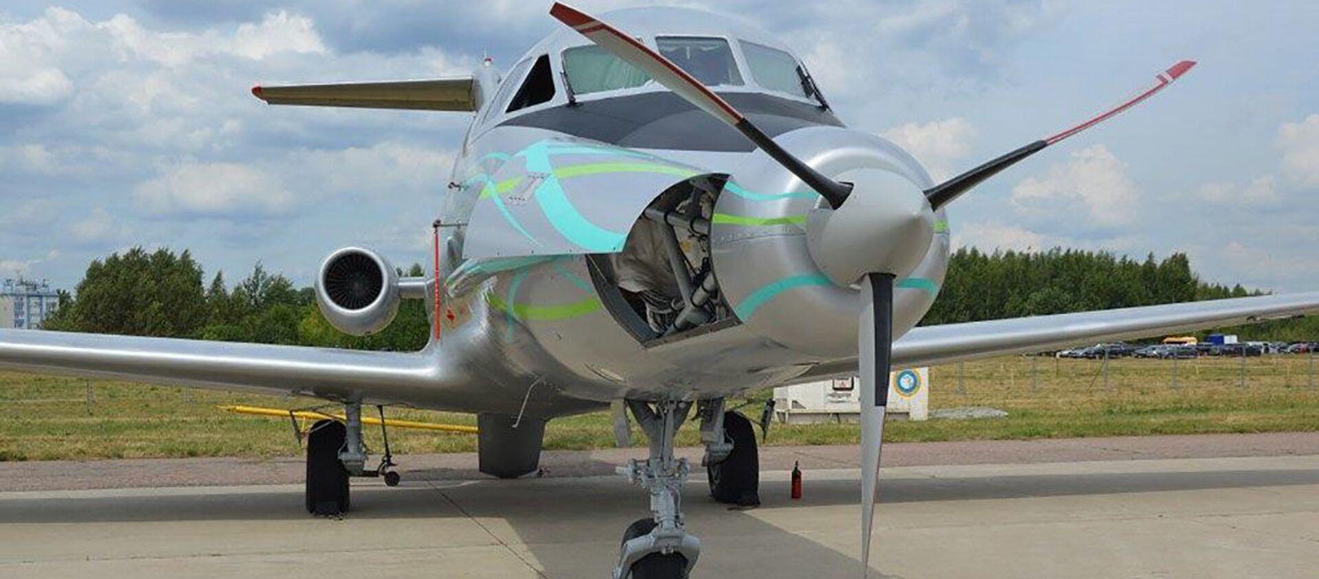 Máy bay Yak-40LL tại triển lãm Hàng không và Vũ trụ Quốc tế MAKS-2021 - Sputnik Việt Nam, 1920, 31.07.2021