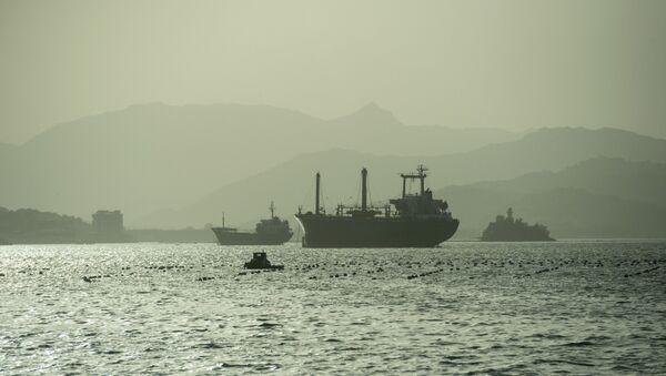 Quang cảnh từ bờ kè đến các con tàu ở vùng nước Wonsan - Sputnik Việt Nam