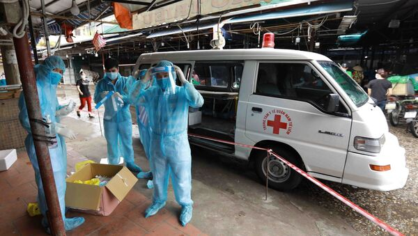 Hà Nội cách ly y tế và lấy mẫu xét nghiệm cho tiểu thương chợ Phùng Khoang do có ca mắc COVID-19 - Sputnik Việt Nam