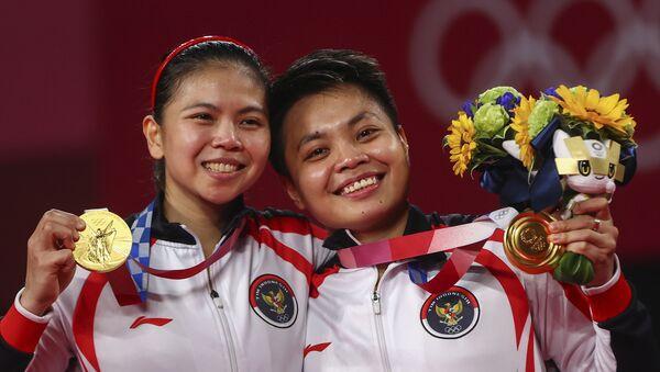 Hai vận động viên Greysia Polii và Apriyani Rahayu của Indonesia tại Thế vận hội Olympic Tokyo - Sputnik Việt Nam