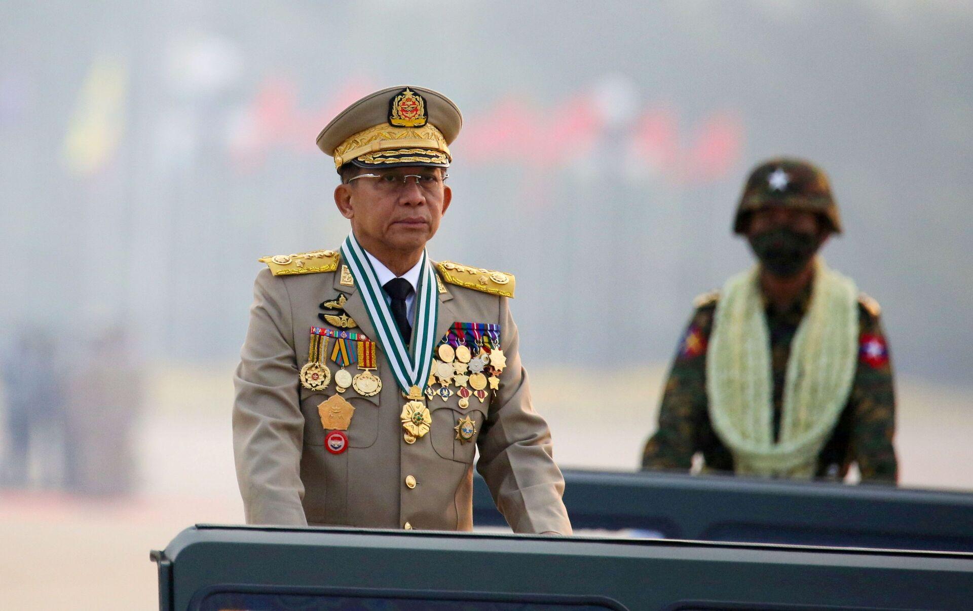 Thống tướng Min Aung Hlaing, người đứng đầu chính quyền quân sự Myanmar - Sputnik Việt Nam, 1920, 05.10.2021