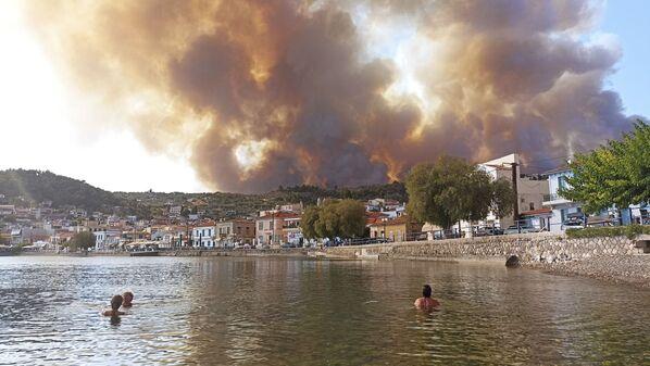 Đám cháy trên đảo Evia, Hy Lạp - Sputnik Việt Nam