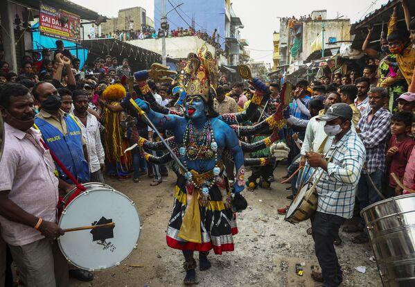 Lễ hội Bonalu ở Hyderabad, Ấn Độ - Sputnik Việt Nam