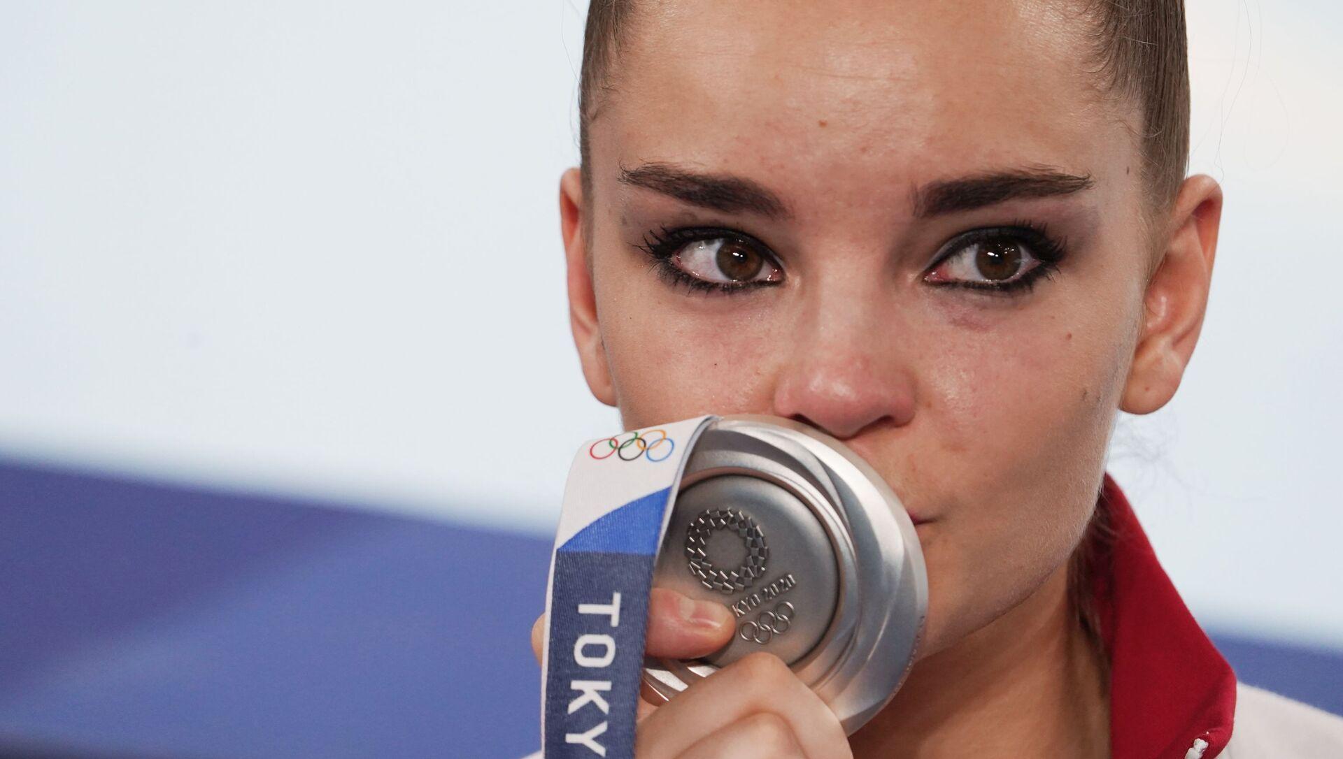 Dina Averina tại Thế vận hội Olympic mùa hè lần thứ XXXII ở Tokyo - Sputnik Việt Nam, 1920, 07.08.2021