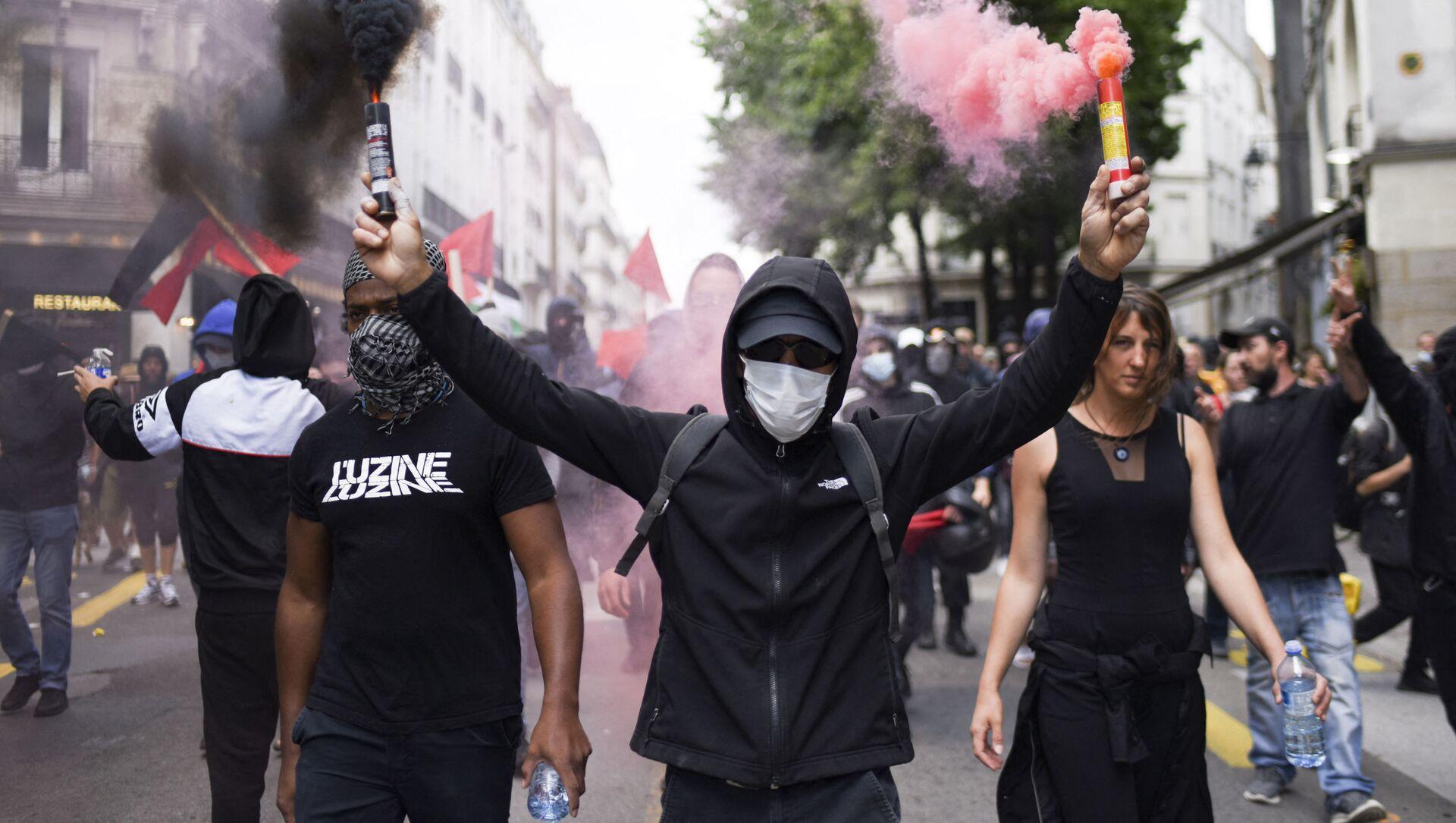 Phong trào biểu tình chống lại thẻ vệ sinh ở Pháp - Sputnik Việt Nam, 1920, 08.08.2021