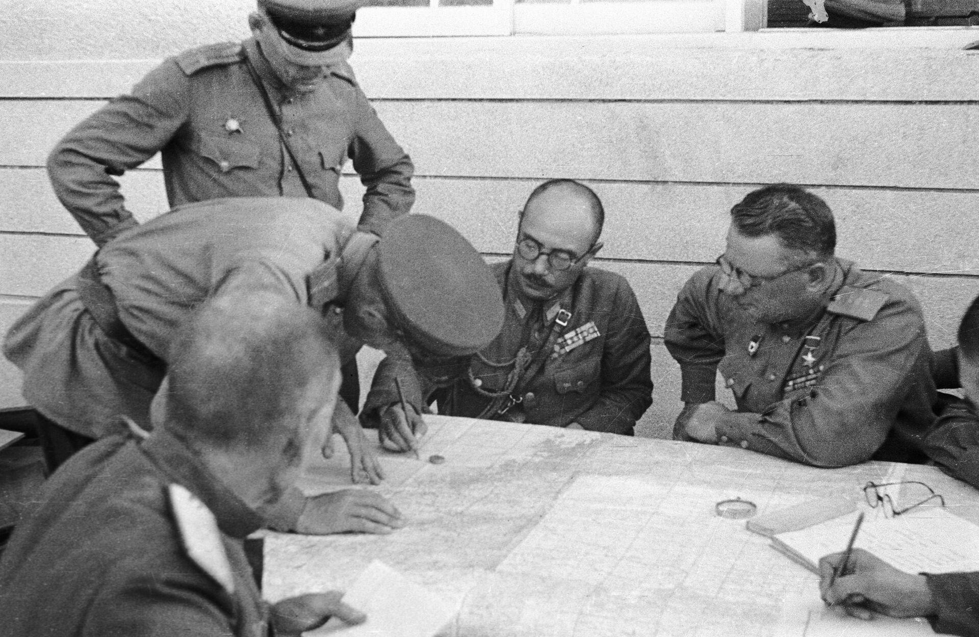 Ký kết Hiệp ước đầu hàng của Đạo quân 3 Quan Đông tại thành phố Uông Thanh, năm 1945 - Sputnik Việt Nam, 1920, 05.10.2021