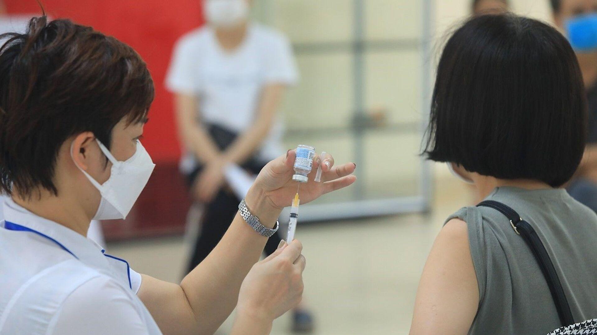 Các loại vaccine được sử dụng để tiêm cho người dân gồm: AstraZeneca, Pfizer và Moderna. - Sputnik Việt Nam, 1920, 10.08.2021