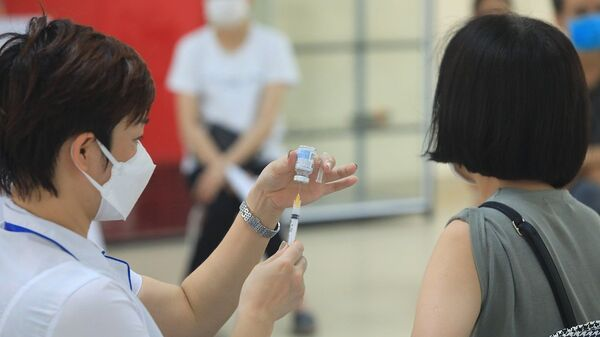 Các loại vaccine được sử dụng để tiêm cho người dân gồm: AstraZeneca, Pfizer và Moderna. - Sputnik Việt Nam