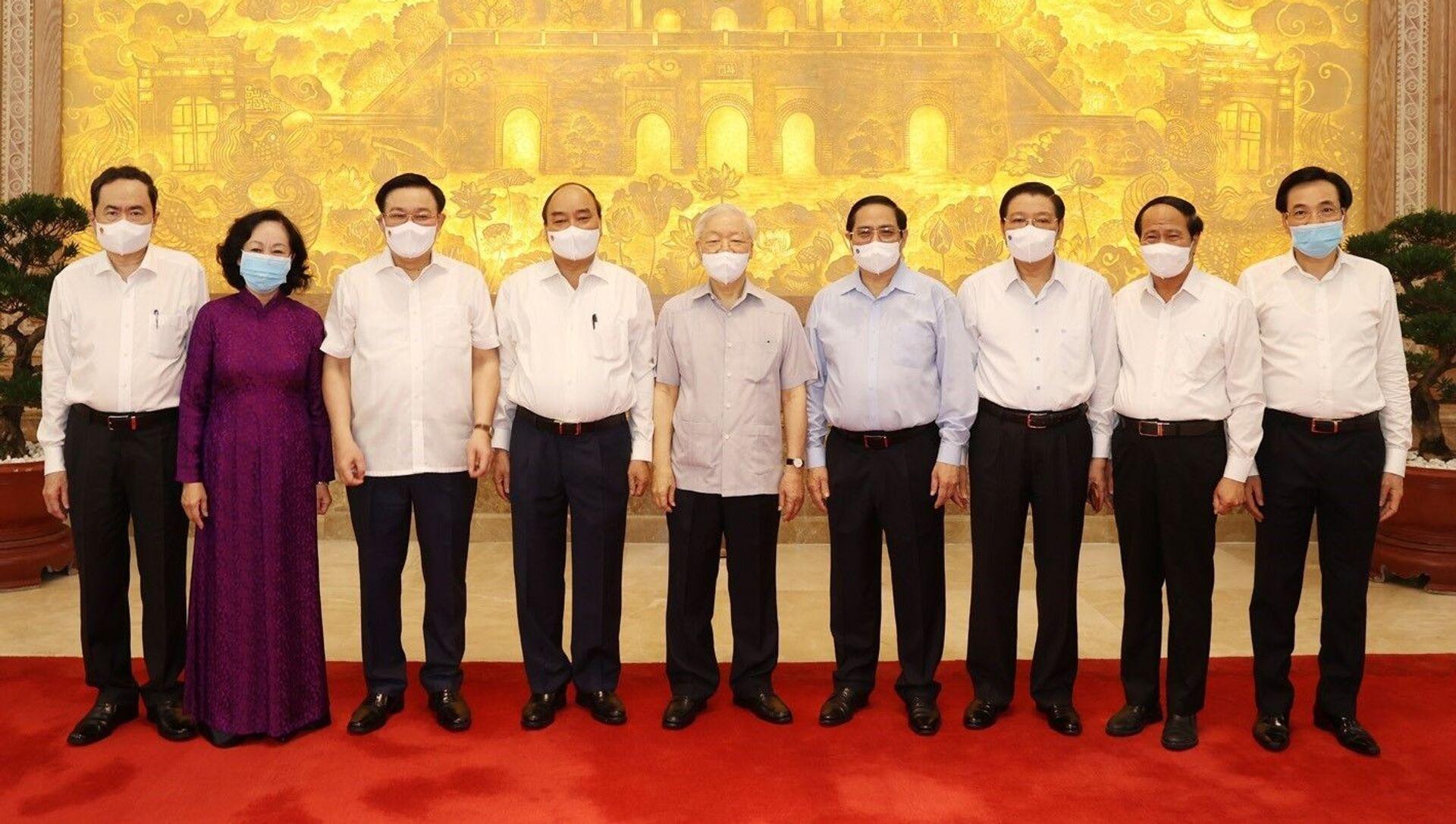 Tổng Bí thư Nguyễn Phú Trọng dự Phiên họp đầu tiên của Chính phủ nhiệm kỳ 2021- 2026 - Sputnik Việt Nam, 1920, 11.08.2021