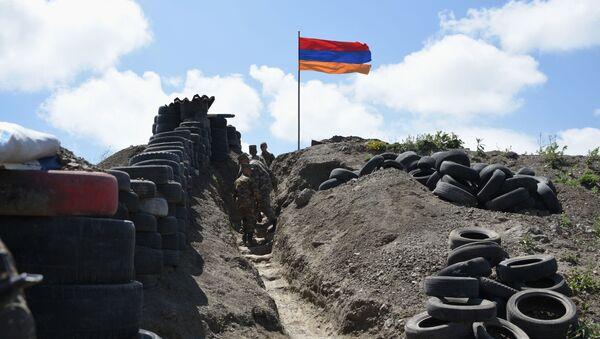 Quân sự ở biên giới Azerbaijan và Armenia - Sputnik Việt Nam