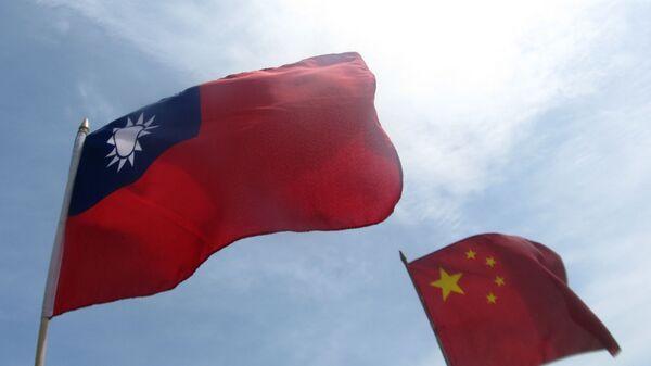 Cờ của Đài Loan và Trung Quốc - Sputnik Việt Nam