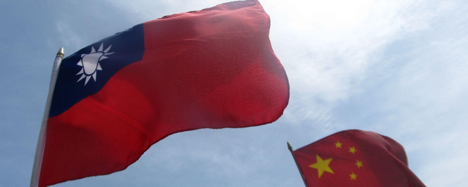 Cờ của Đài Loan và Trung Quốc - Sputnik Việt Nam, 1920, 14.08.2021