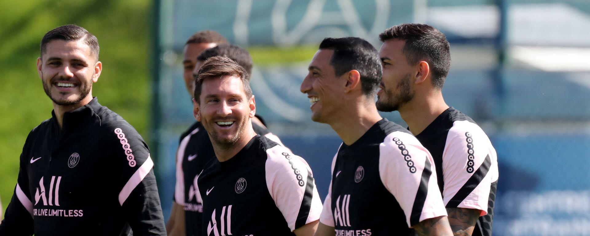 Lionel Messi và Angel Di Maria từ Paris Saint-Germain trong buổi tập luyện - Sputnik Việt Nam, 1920, 28.09.2021