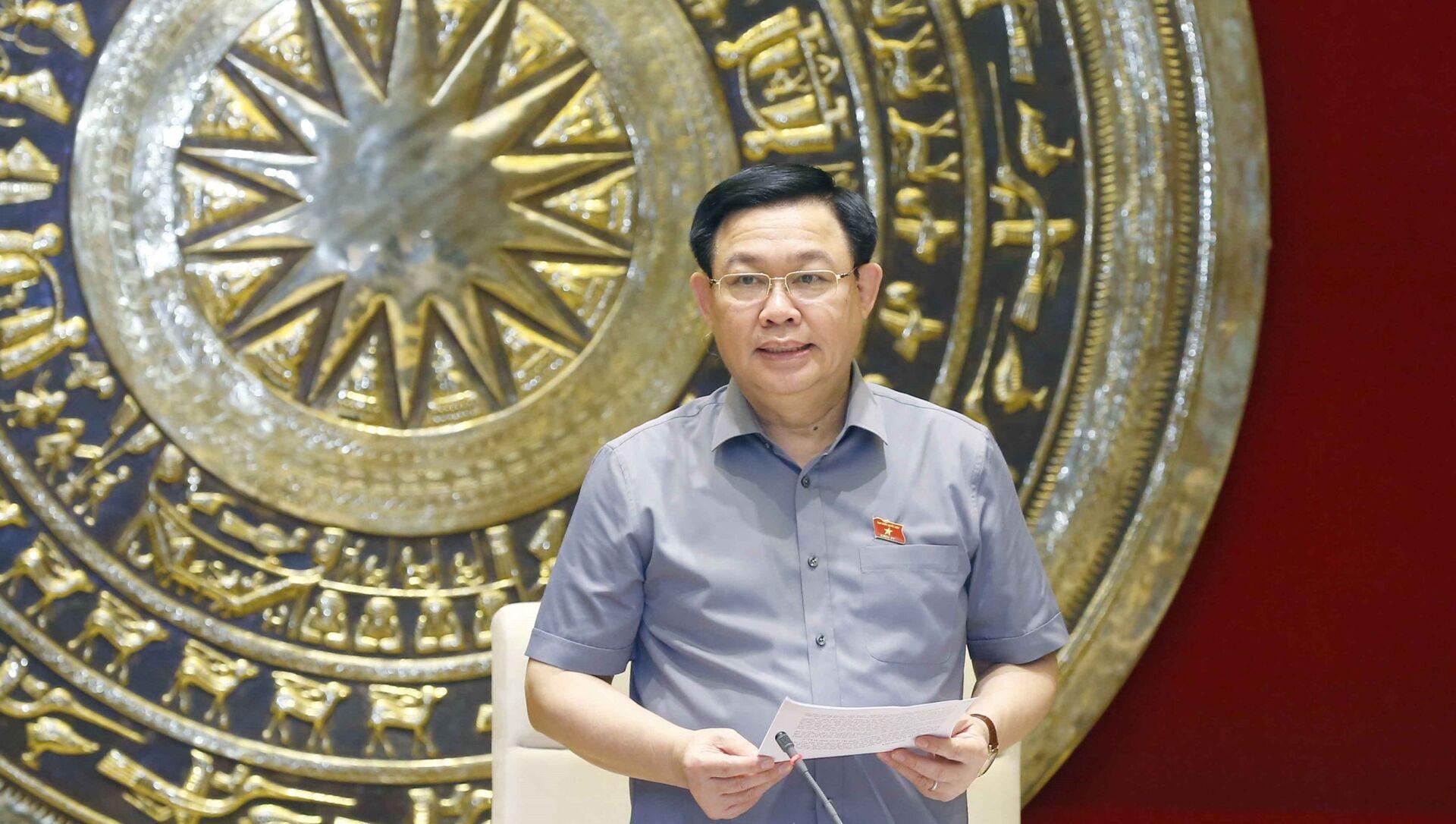 Chủ tịch Quốc hội Vương Đình Huệ phát biểu. - Sputnik Việt Nam, 1920, 16.08.2021