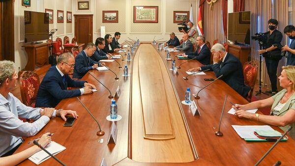 Hôm thứ Ba, Thống đốc Vùng Kaluga Vladislav Shapsha đã tiếp Đại sứ đặc mệnh toàn quyền Việt Nam tại Liên bang Nga Đặng Minh Khôi - Sputnik Việt Nam