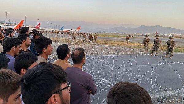 Lính Mỹ bảo vệ sân bay ở Kabul, Afghanistan - Sputnik Việt Nam