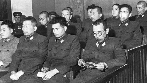 Các bị cáo tại phiên tòa xét xử vụ cựu quân nhân Nhật Bản bị cáo buộc chuẩn bị sử dụng vũ khí vi khuẩn. Khabarovsk, 1949 - Sputnik Việt Nam
