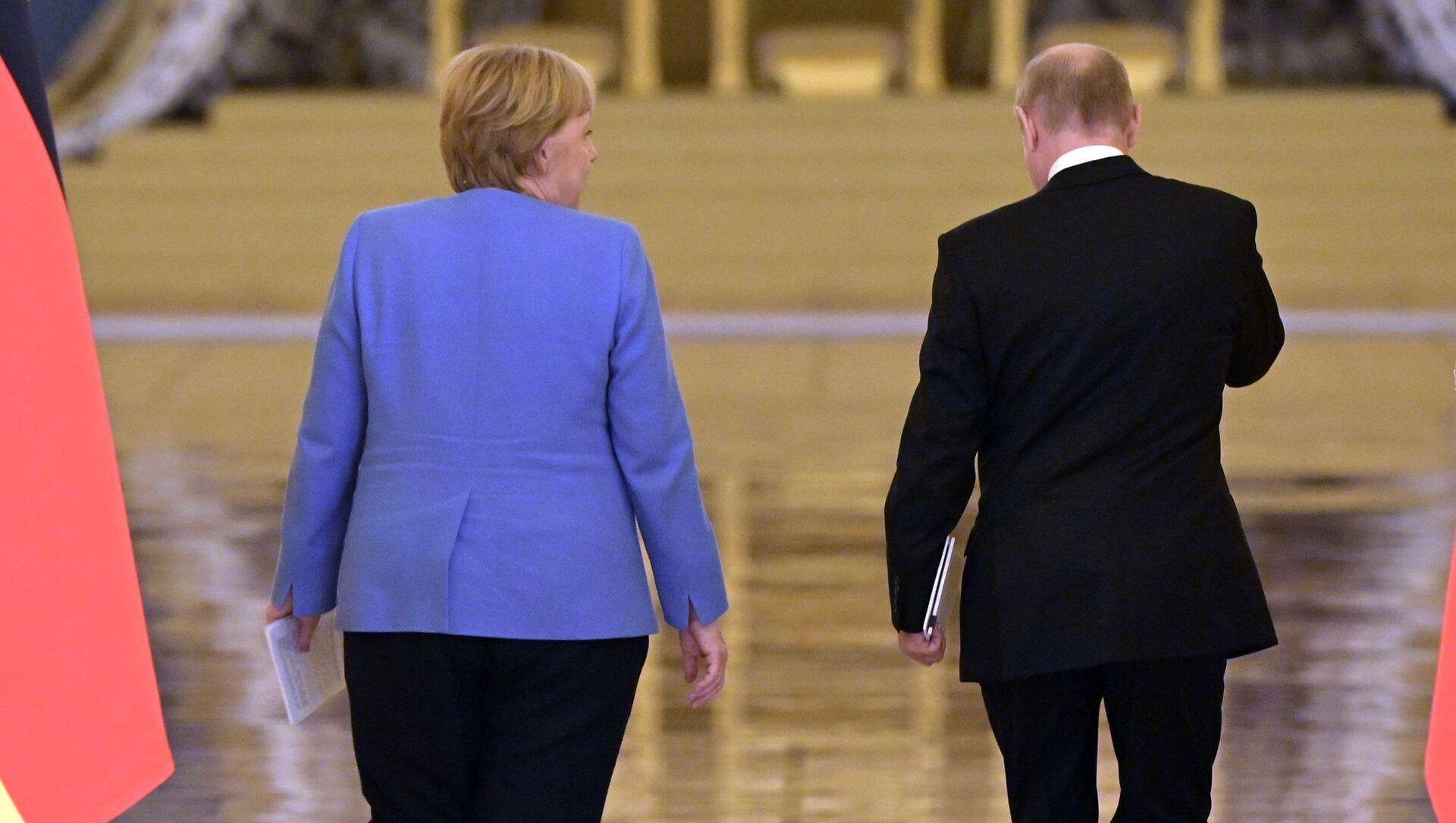 Vladimir Putin đàm phán với Angela Merkel - Sputnik Việt Nam, 1920, 20.08.2021
