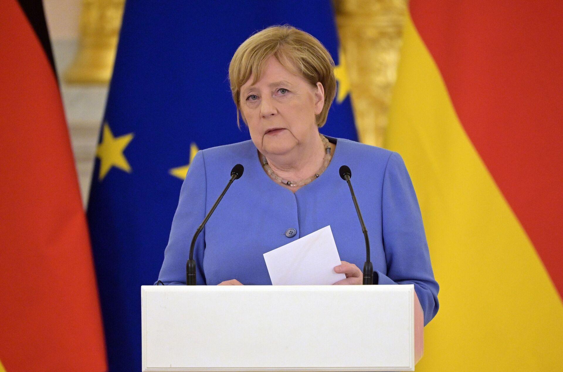 Thủ tướng Đức Angela Merkel trong cuộc họp báo sau cuộc hội đàm với Vladimir Putin - Sputnik Việt Nam, 1920, 05.10.2021