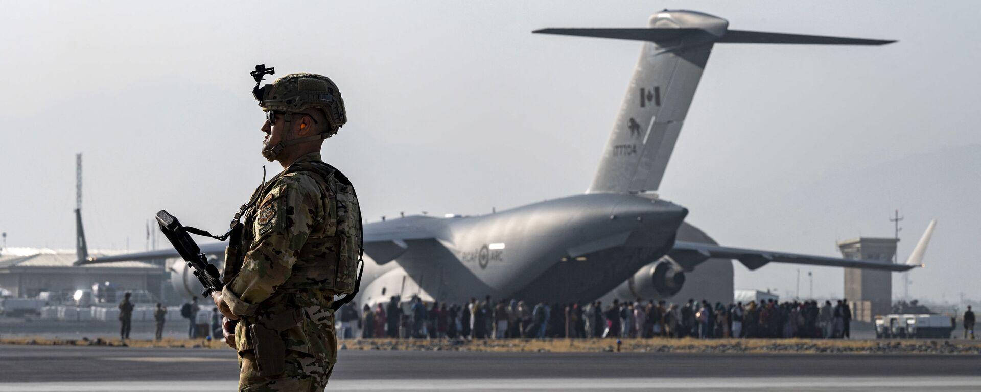 Quân nhân Mỹ tại sân bay Kabul. - Sputnik Việt Nam, 1920, 23.08.2021