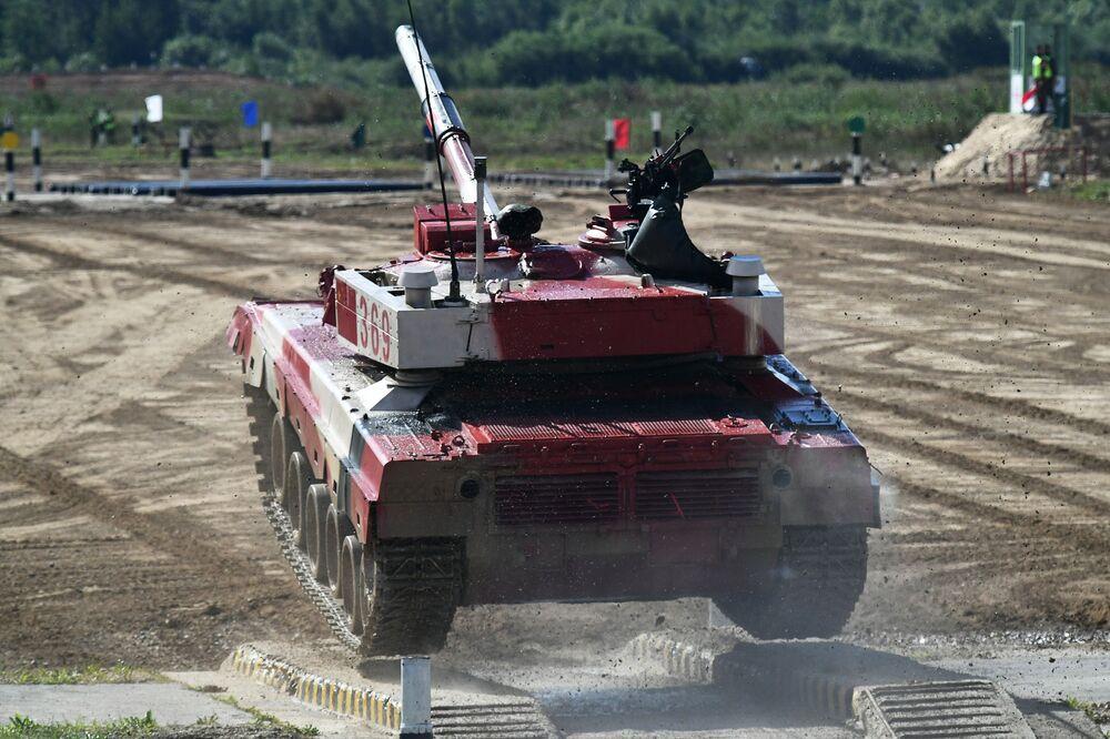 Xe tăng đội Trung Quốc trong cuộc thi «Tank Biathlon-2021»