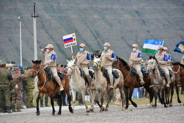 Thi đấu Marathon cưỡi ngựa tại Kyzyl trong khuôn khổ Hội thao quân sự quốc tế Army Games 2021 - Sputnik Việt Nam