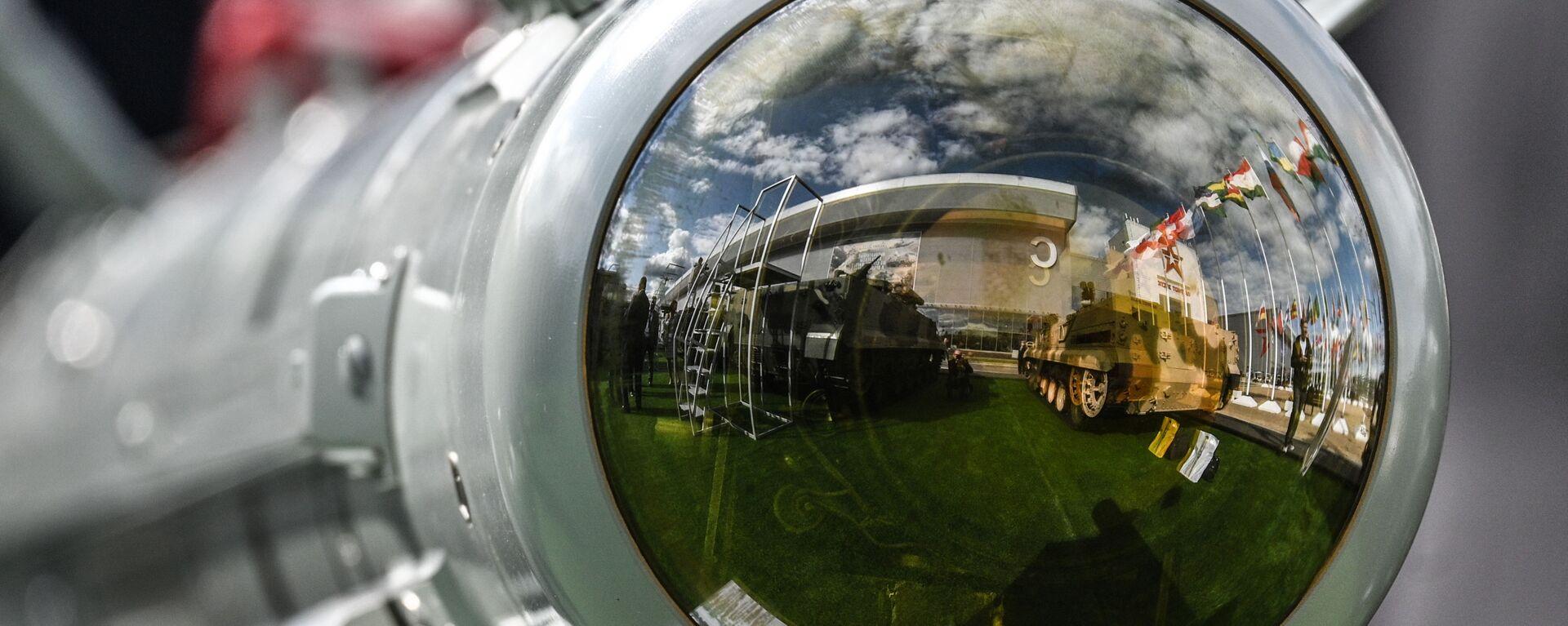 Tên lửa dẫn đường đa năng hạng nhẹ 305E trưng bày của Diễn đàn Quốc tế ARMY-2021 - Sputnik Việt Nam, 1920, 05.09.2021