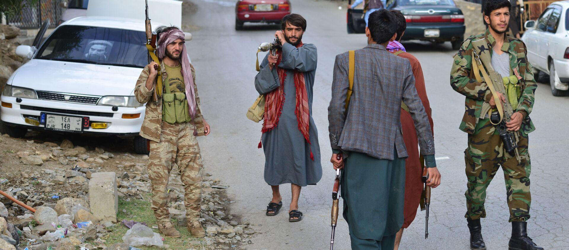 Những người có vũ trang chống lại Taliban * ở tỉnh Panjshir - Sputnik Việt Nam, 1920, 24.08.2021