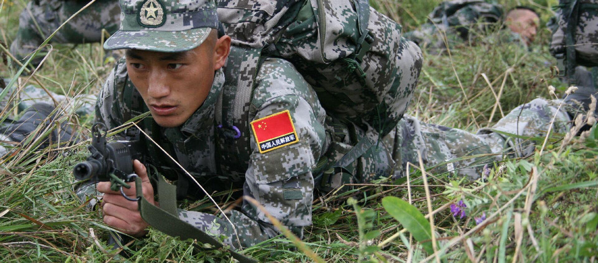 Đội Trung Quốc  tham gia cuộc thi quốc tế Trinh sát xuất sắc trong khuôn khổ Army Games-2021 tại Vùng Novosibirsk - Sputnik Việt Nam, 1920, 26.08.2021