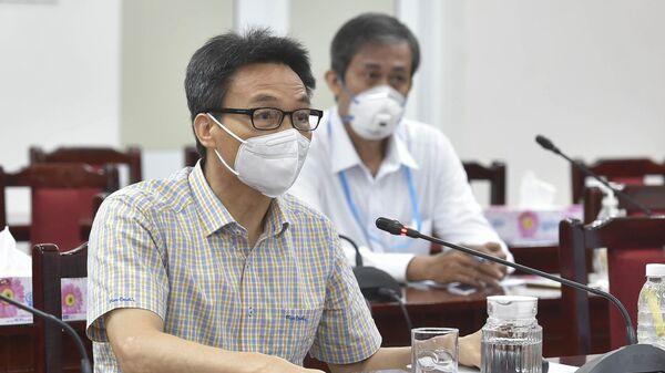 Phó Thủ tướng Vũ Đức Đam trao đổi với Lãnh đạo Quận 6. - Sputnik Việt Nam
